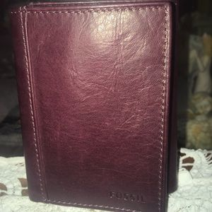 New Fossil Leather Men's Organizer Wallet